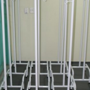 Em foco, 14 suportes de soro foram doados para a Santa Casa de Sertãozinho e serão utilizados na UTI do hospital