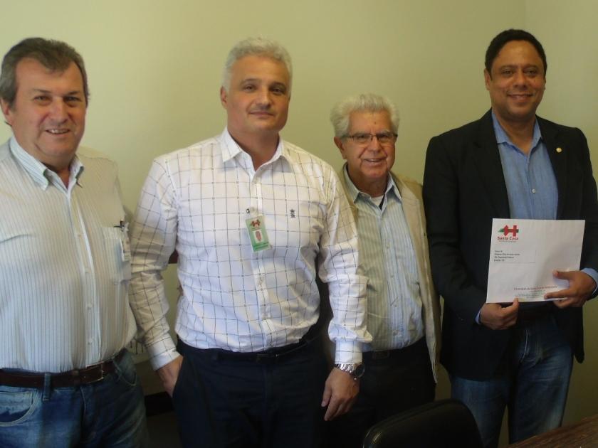 Deputado Federal Orlando Silva visita Santa Casa de Sertãozinho