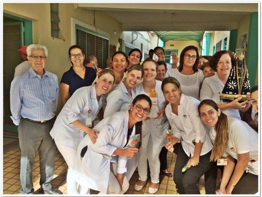 Santa Casa de Sertãozinho homenageia profissionais da saúde pelo seu dia