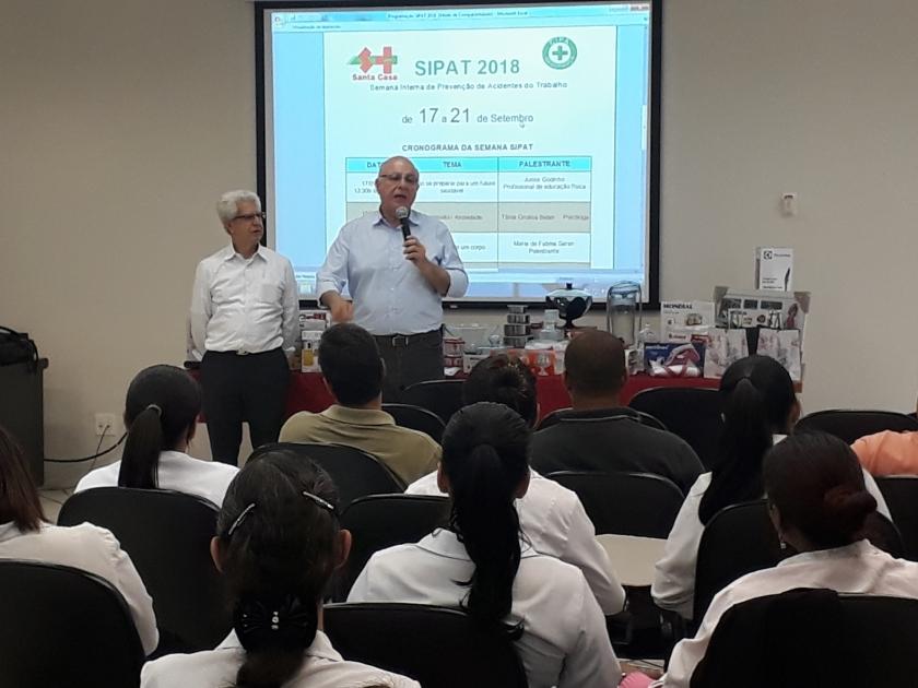 Deputado Arnaldo Jardim visita Santa Casa de Sertãozinho durante a SIPAT
