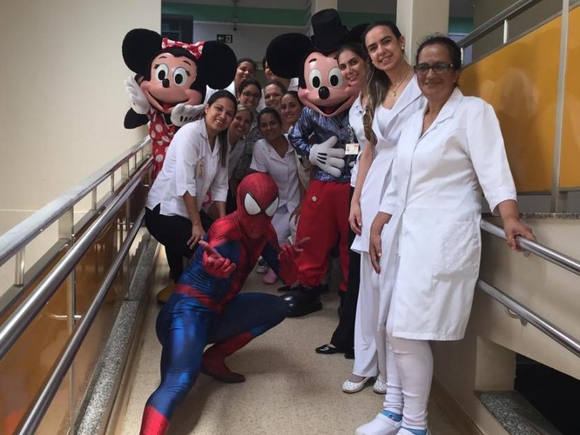 Dia das crianças com festa e alegria: Santa Casa proporciona comemoração à criançada