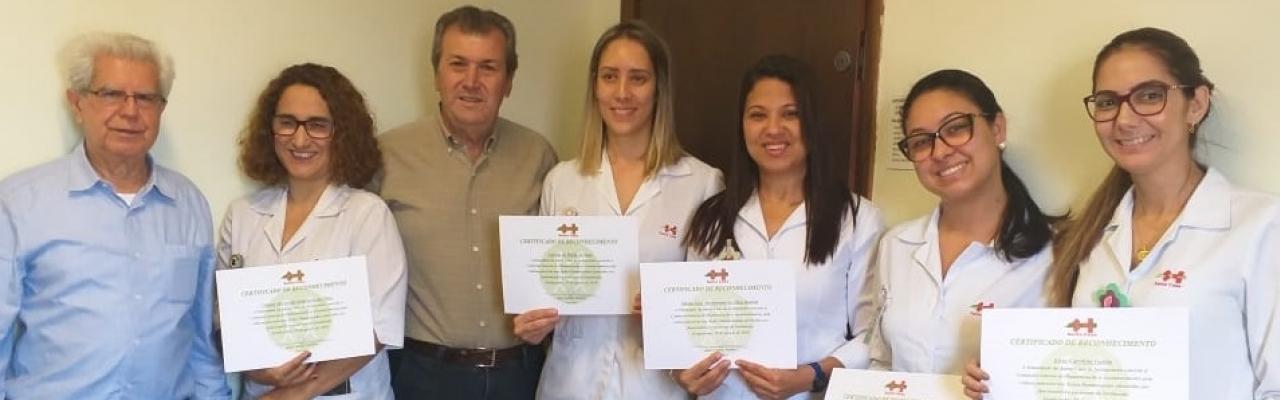 Santa Casa de Sertãozinho homenageia integrantes do CIH – Centro Integrado de Humanização com entrega de certificado reconhecendo os trabalhos prestados dentro do hospital