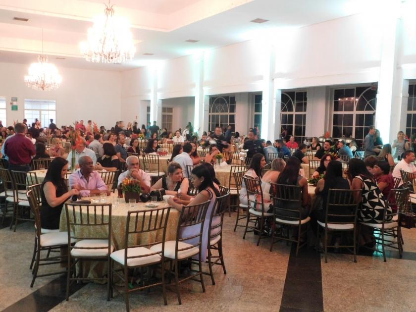 Santa Casa de Sertãozinho realiza festa de confraternização de fim de ano para colaboradores