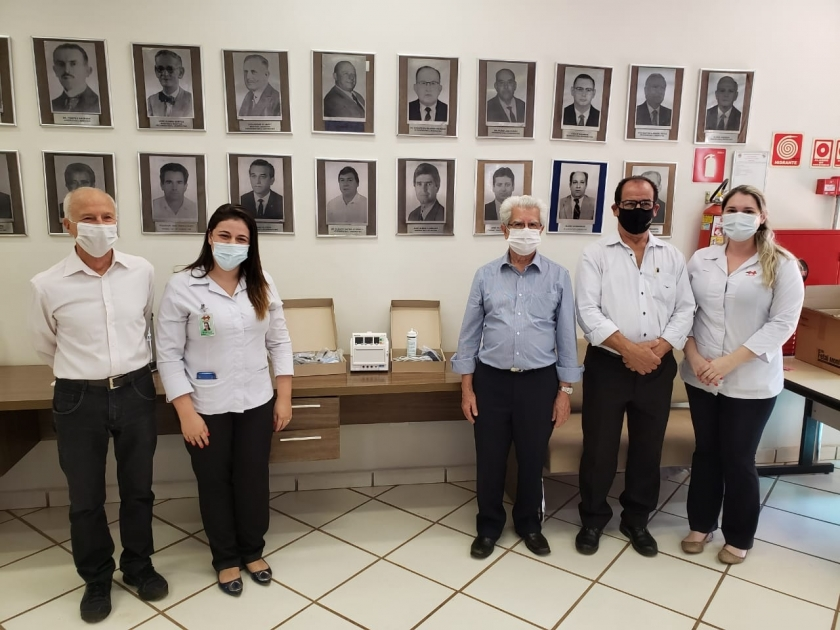 Associação dos rotarianos do Distrito 4540 faz doação de equipamento e luvas para a Santa Casa