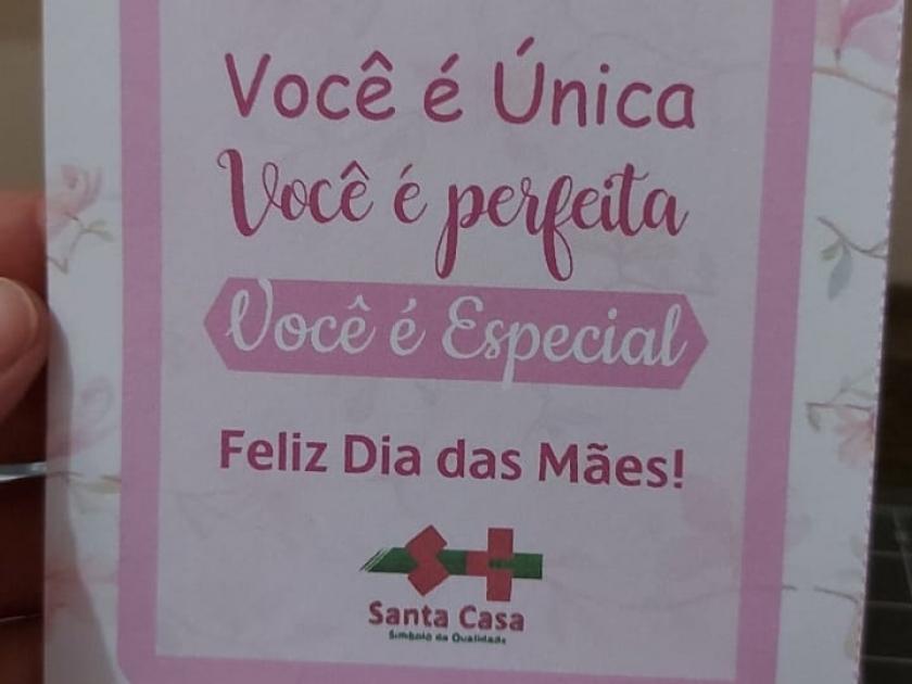 Santa Casa de Sertãozinho homenageia mamães pelo seu dia